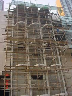 增设各种楼梯、电梯